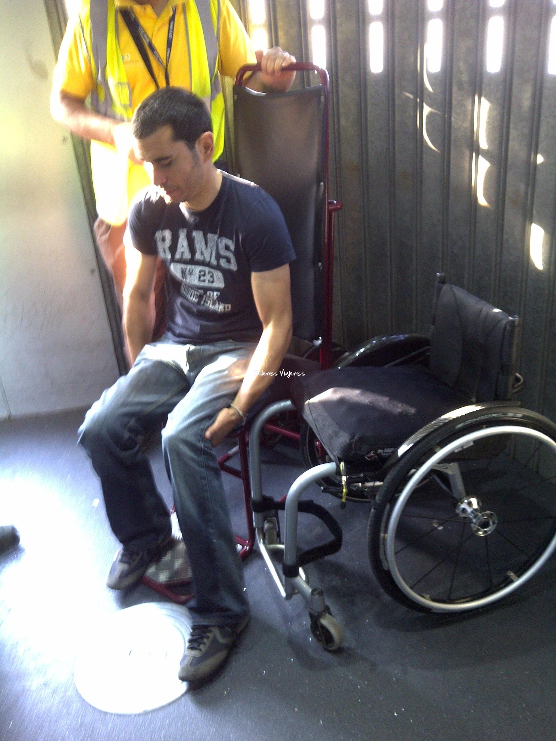 Volar con silla de ruedas silleros viajeros for Lo ultimo en sillas