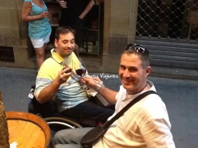 Brindando con vinito de Rioja