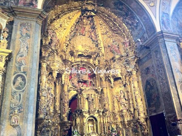 Imágenes en el interior de la Iglesia