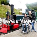 Tren antiguo a la vista de todo el mundo