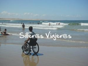 En la playa con mi silla de ruedas