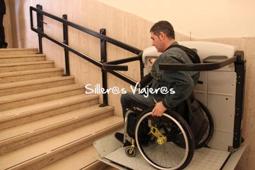 Acceso con plataforma salva escaleras
