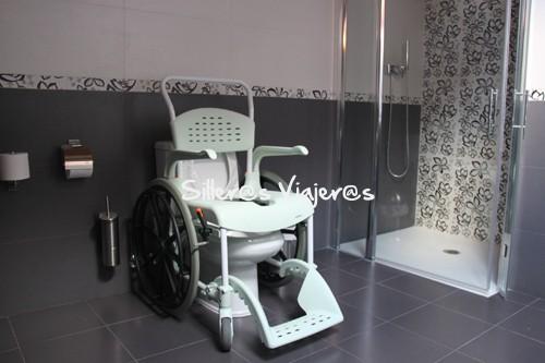 Castro urdiales en silla de ruedas silleros viajeros - Ruedas para sillas de ruedas ...