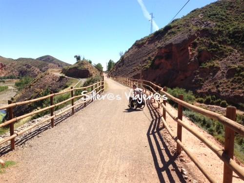 Paseando con silla de ruedas en la Vía verde de Arnedillo