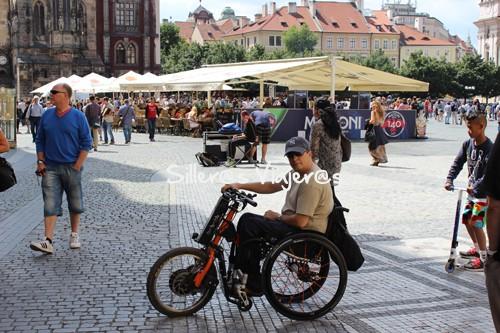 Praga con silla de ruedas