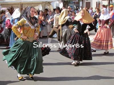 Bailes típicos en las calles