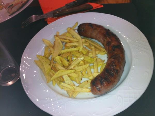 La Butifarra Catalana con patatas fritas