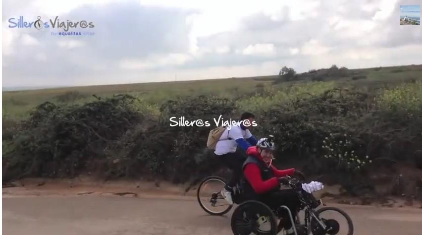 Paseo por el monte con silla de ruedas