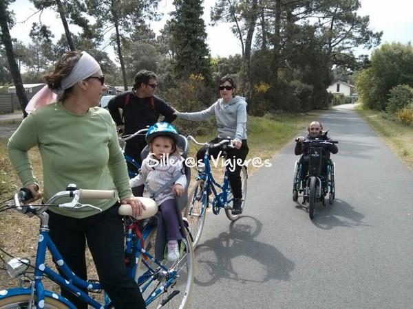 Paseo accesible con las bicis y la batec