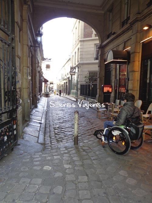 Calles lisas accesibles de la ciudad