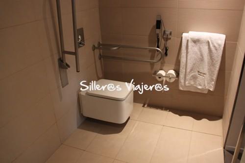 Baño adaptado del hotel