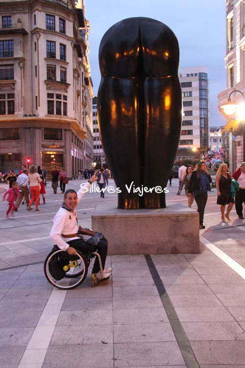 Escultura en las calles de la ciudad