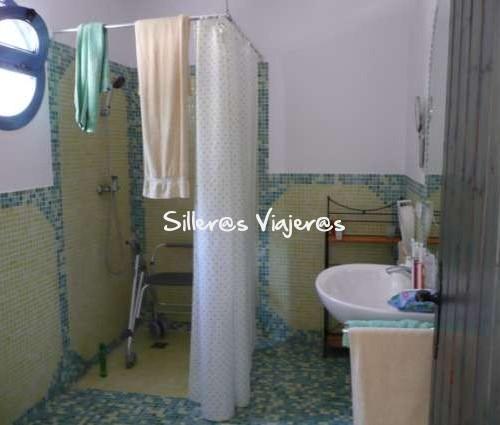 Baño adaptado en Cortijo de la Paloma, Cabo de Gata, Almeria