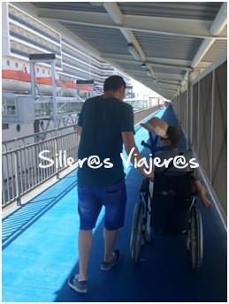 Paseo por cubierta del barco