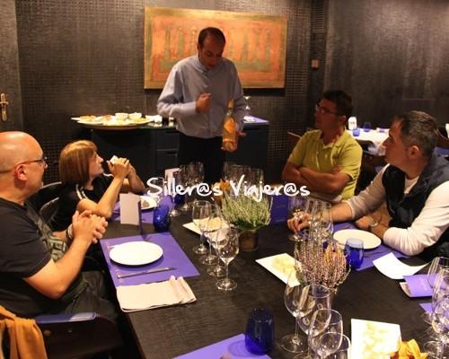 Cena maridada en restaurante adaptado Indigo