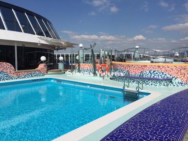 Otra piscina en crucero adaptado por el Mediterráneo