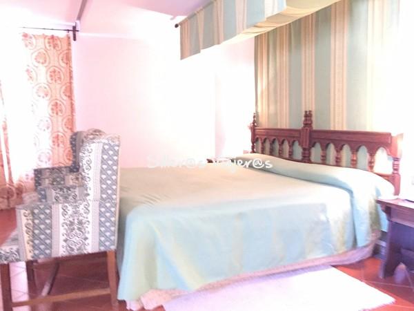 Dormitorio en la habitación en el Parador de Cardona.