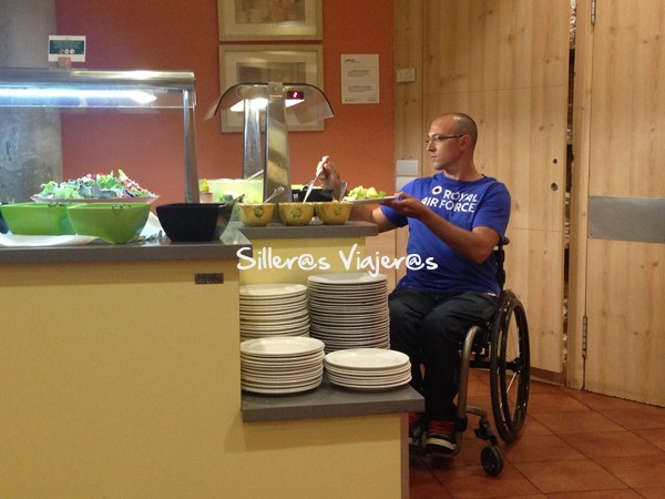 restaurante buffete accesible