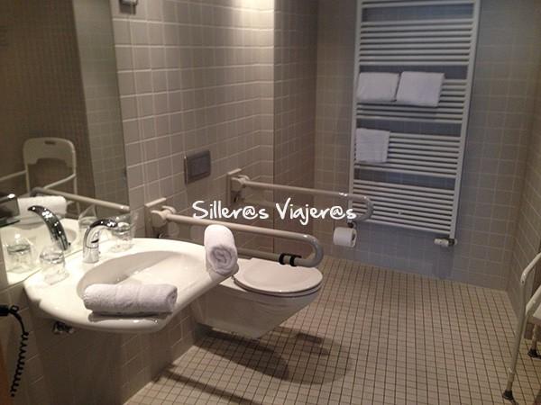 Baño adaptado en el Hotel Abba Berlín