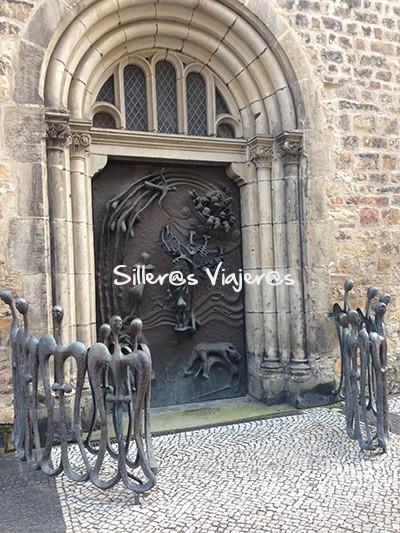 Puerta de iglesia en Magdeburgo
