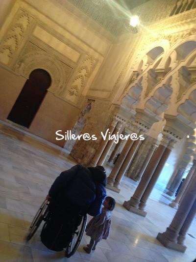 Dentro del Palacio de la Aljafería.
