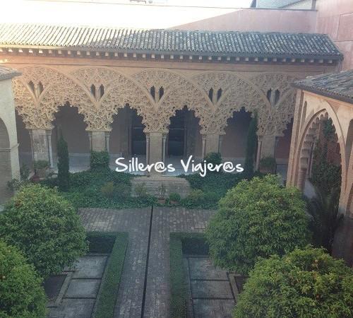 Patio interior del Palacio de la Aljafería accesible para personas con discapacidad