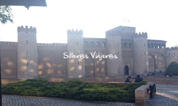 Palacio de la Alfajería de Zaragoza en silla de ruedas