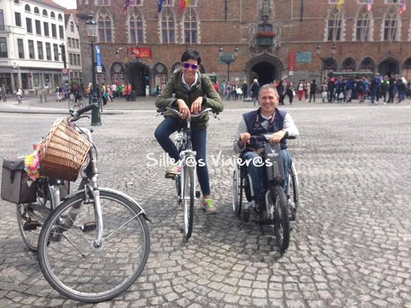 Paseo por la ciudad con la Batec y en bici.