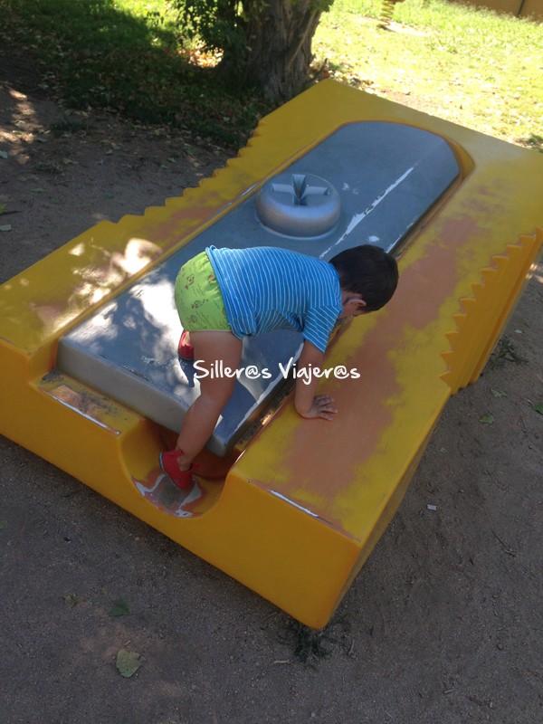 """Zonas de juego en """"Parque de Frances Macia"""""""