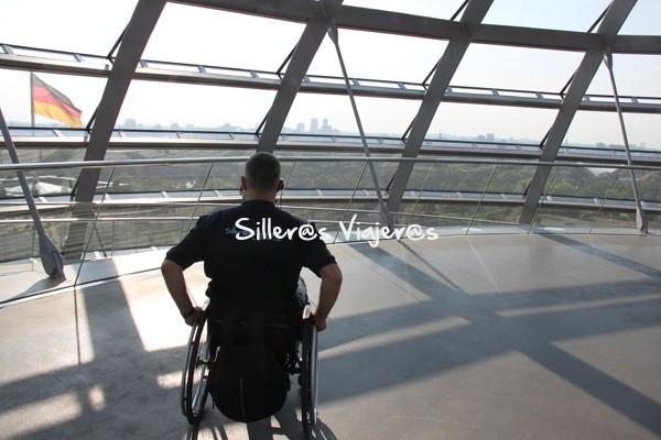 Visita accesible en la cúpula del Reichstag.