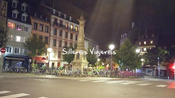 Calles a la noche en Strasburgo.