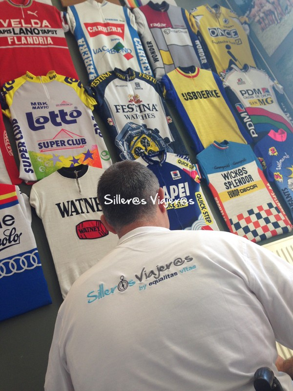 Exposición camisetas ciclistas