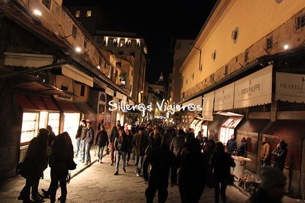 Calles de Florencia al anochecer