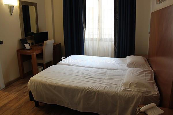 Habitación con dos camas individuales, Hotel Mediterráneo
