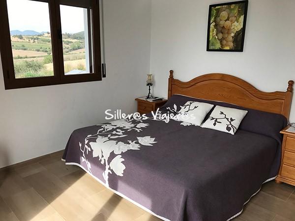 Dormitorio cama de matrimonio primer piso