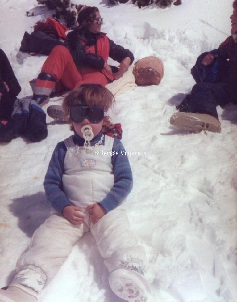 Nuria de pequeñita en la nieve