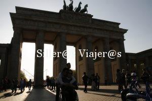 Puerta de Brandemburgo con silla de ruedas