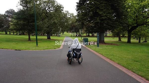 Paso por uno de los parque de Melbourne