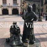 Estatua de Las Vendedoras del Fontán