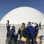 Grupo en cúpula Centro Niemeyer