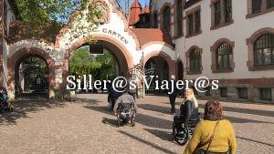 Grupo de silleros entrando en el zoo