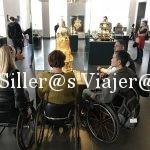 Grupo silleros en el interior del Palacio de Dresden