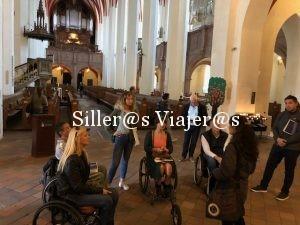 Silleros en el interior de la Iglesia de San Tomás
