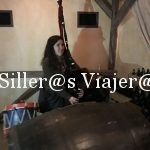 Tocando la gaita, instrumento musical típico asturiano
