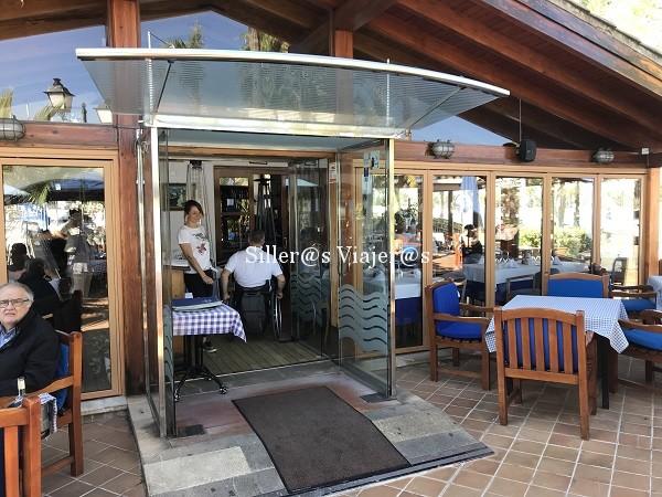Rampa de acceso al Restaurante Bistro del puerto de Alcudia