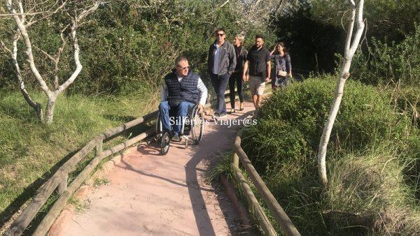 Sendero accesible en el Parque de la Albufera en Alcudia