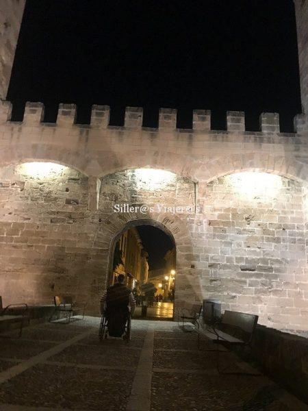 Una de las entradas amuralladas a la ciudad de Alcudia