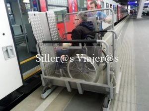 Asistencia para acceder al tren por la plataforma