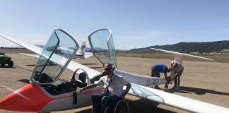 A punto de montar en el planeador