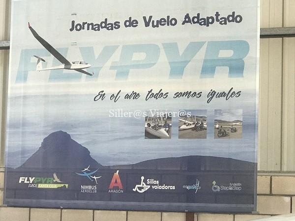 En el aeródromo de Santa Cilia de Jaca organizan jornadas de vuelo adaptado